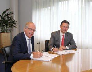 20150924 Ondertekening overeenkomst bouw 19 woningen in Westmaas