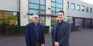 Directeur Ton Bervoets (links) met zijn zoon Jaco Bervoets, die tevens in het bedrijf actief is als Manager Projecten.