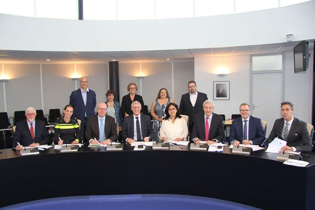 Foto's-ondertekening-samenwerkingsovereenkomst-(2)
