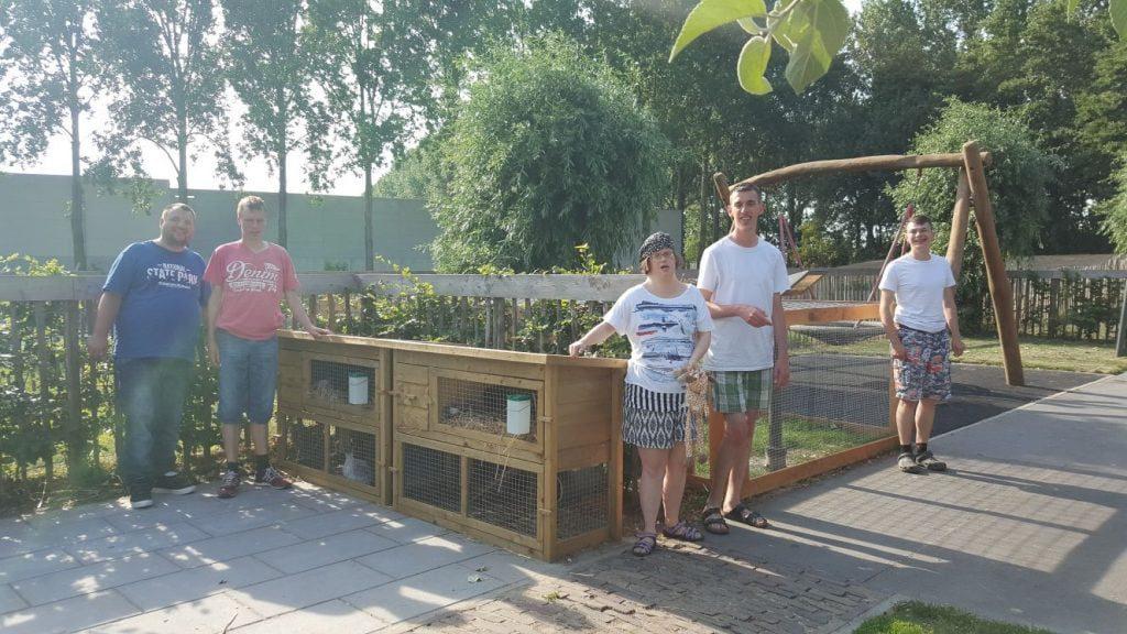 Opbrengst Burendag Bommelskous naar woonlocatie de Hendrikshoeve in ... - Hoeksch Nieuws - Het laatste nieuws uit de Hoeksche Waard (persbericht) (Blog)