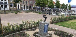 Het monument op de nieuwe plek - Foto Cobi Crucq