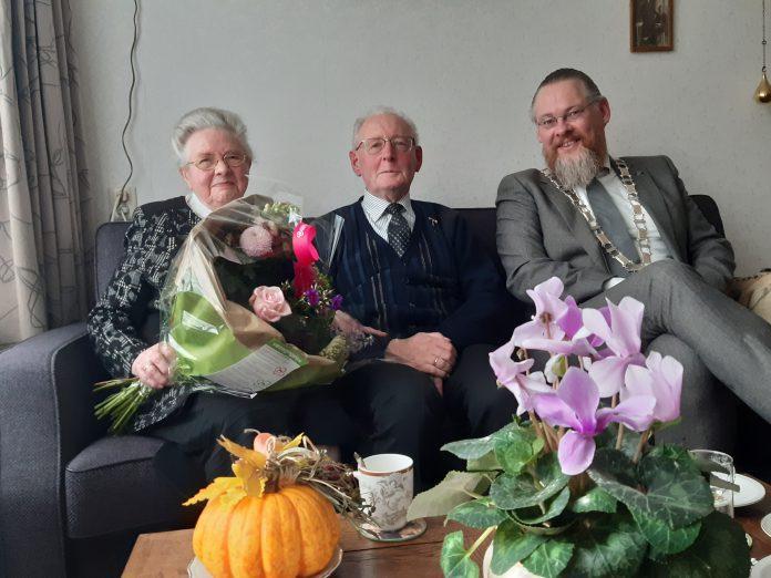 Eechtpaar Moree uit Nieuw-Beijerland 60 jaar getrouwd - Foto Gemeente Hoeksche Waard